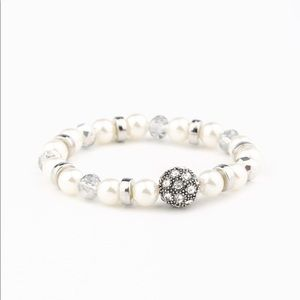 Twinkling Timelessness - White